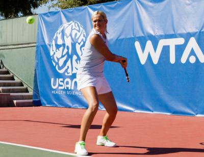 USANA Brand Ambassador Aleksandra Wozniak takes health and nutrition seriously on and off the court.