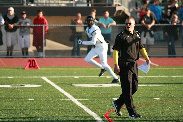 Jon Kitna coaching Lincoln High School