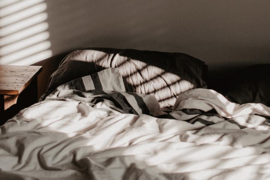 before bedtime, sleep screens